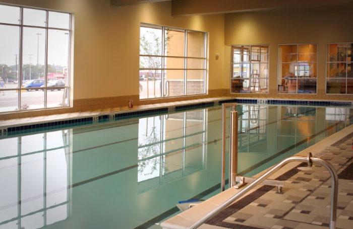 LA FIT pool